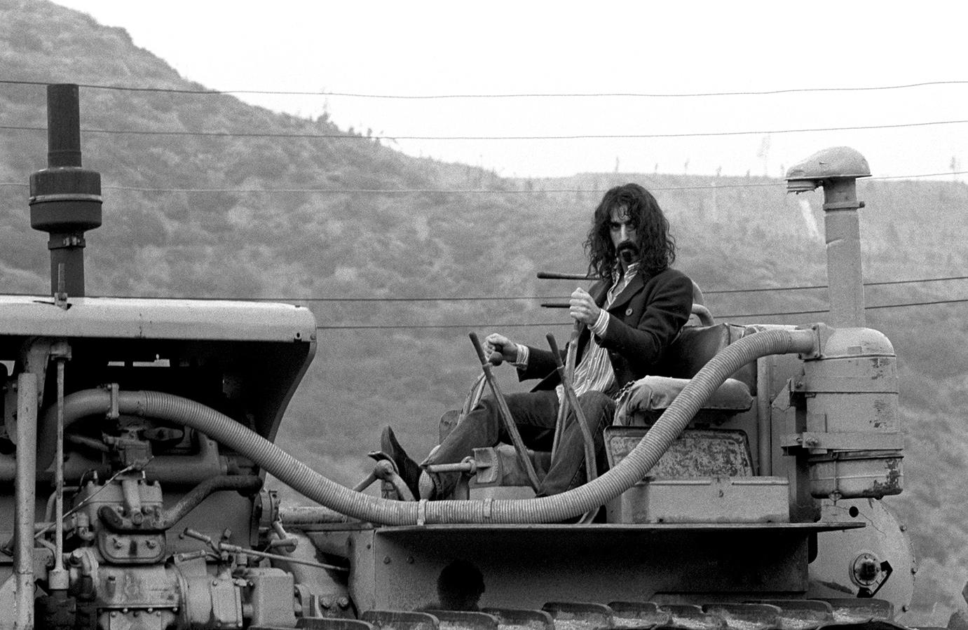 Frank-Zappa-68172-9_sized