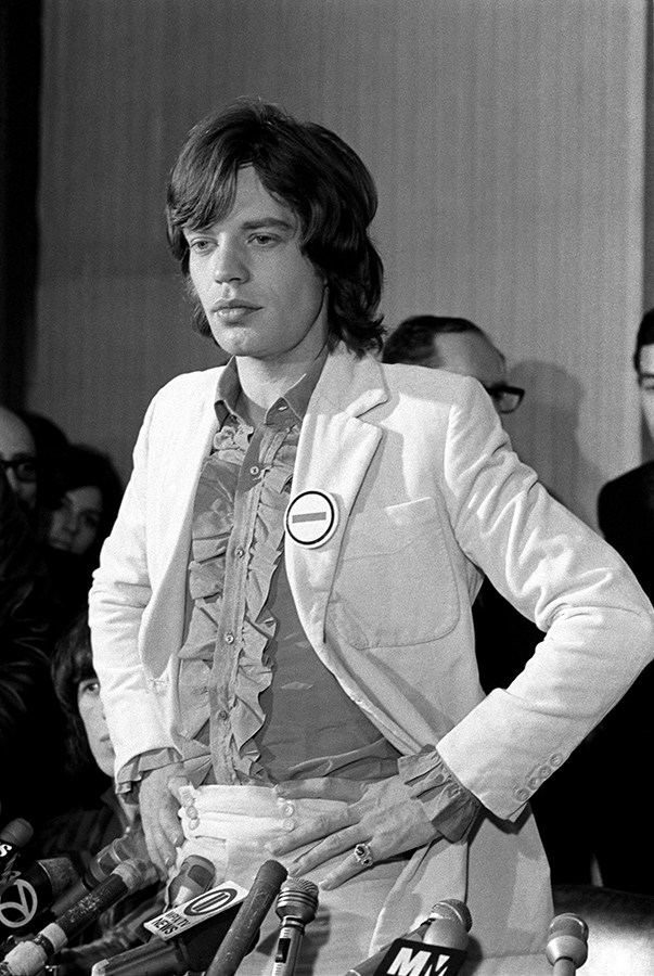 Rolling-Stones_Jagger_-69660-26_sized