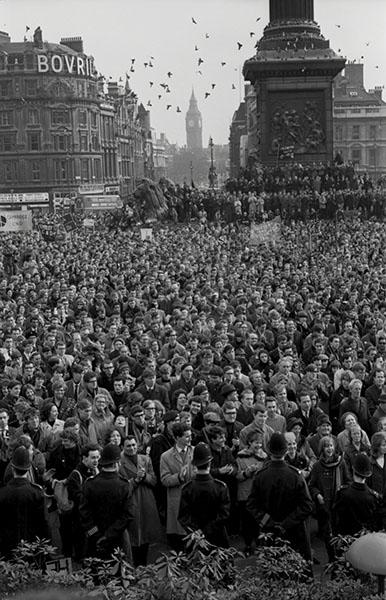 Trafalgar Square 1964 WEB
